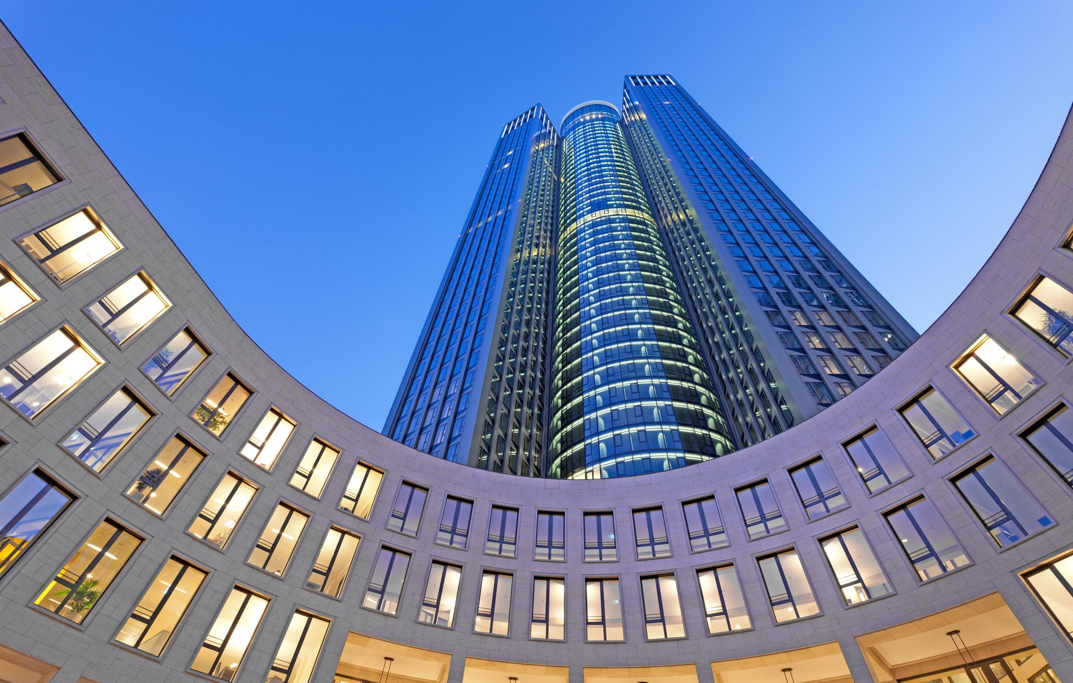 Tower 185, Frankfurt: Nachtbeleuchtung