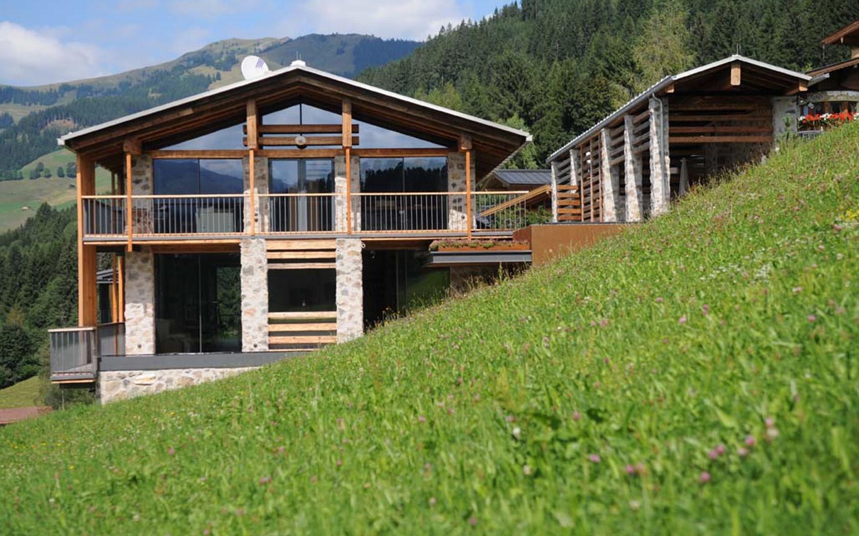 Wohnhaus in den Alpen 01