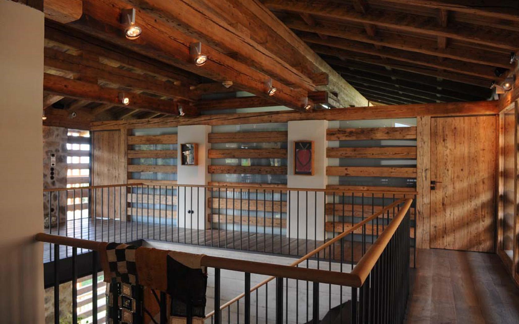 Wohnhaus in den Alpen 04