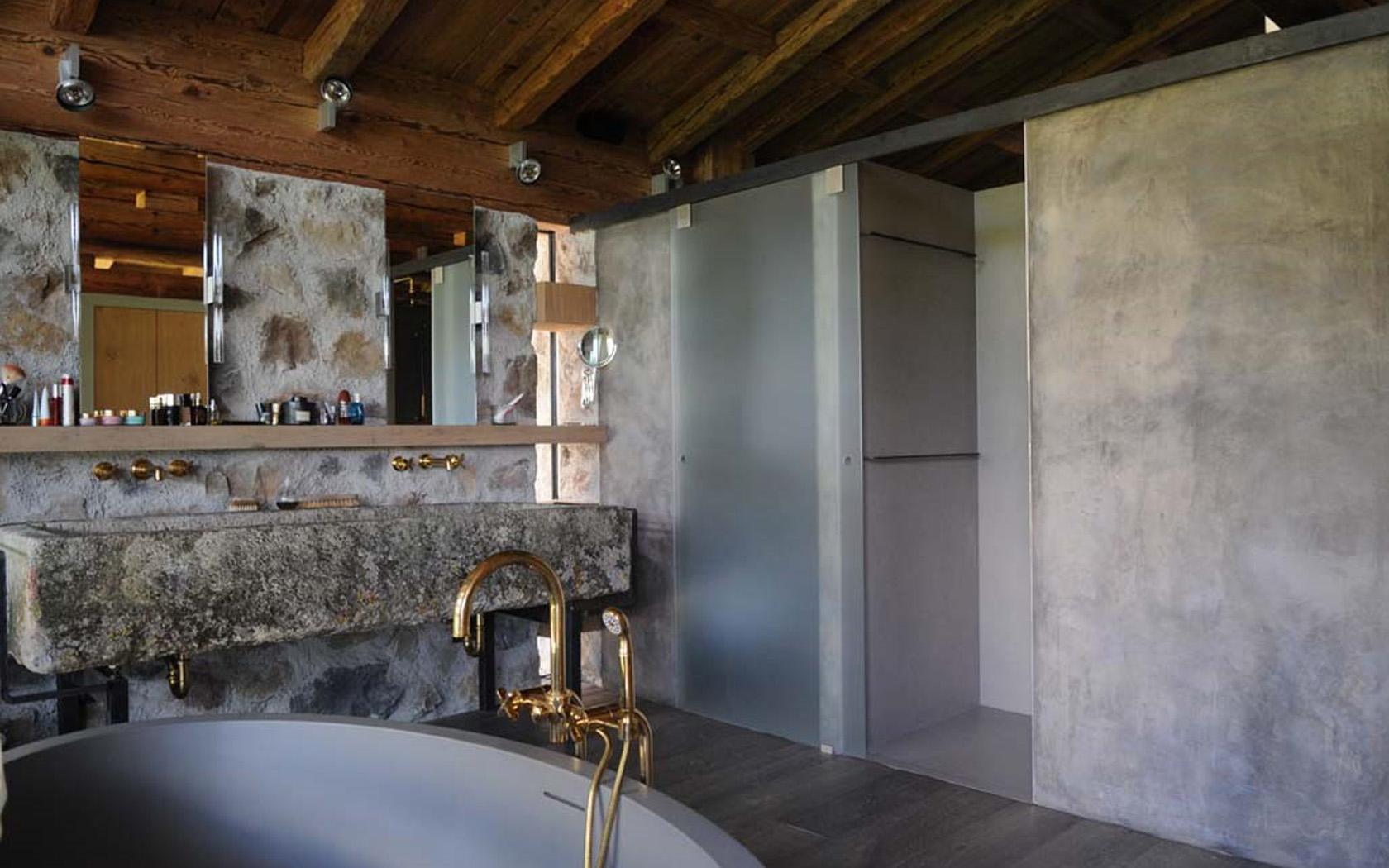 Wohnhaus in den Alpen 05